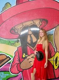 #tag #portrait #chapeau #rouge #robe